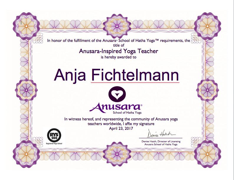 Zertifikat Anusara-Inspired Yoga teacher Anja Fichtelmann